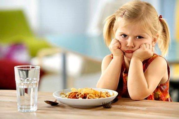 Как не надо кормить ребенка