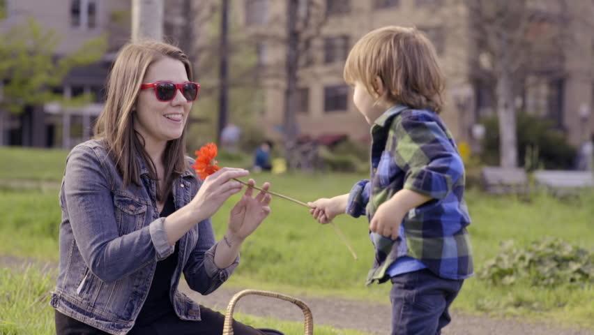 Как вырастить из сына ответственного отца семейства