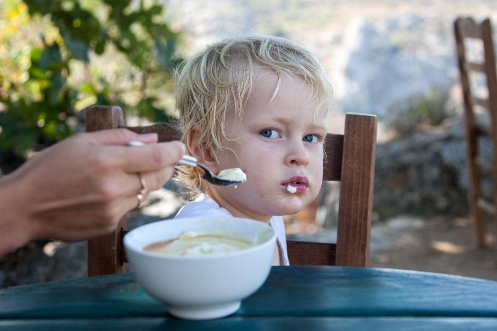 Когда и зачем просить прощение у ребенка